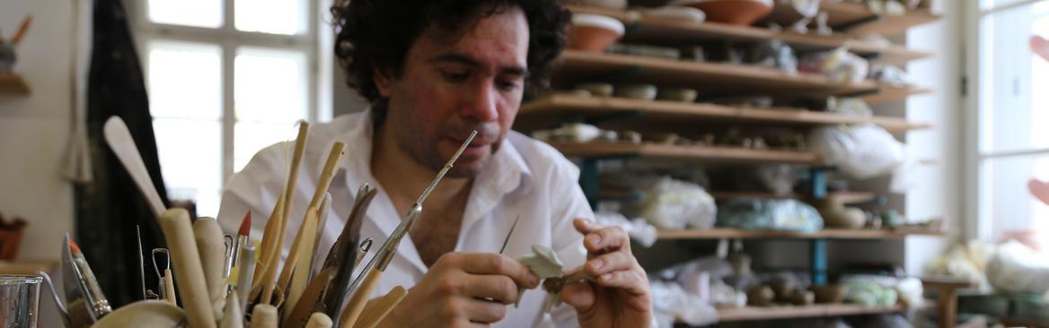 Guillermo Escalante v Lončarskem ateljeju SEM