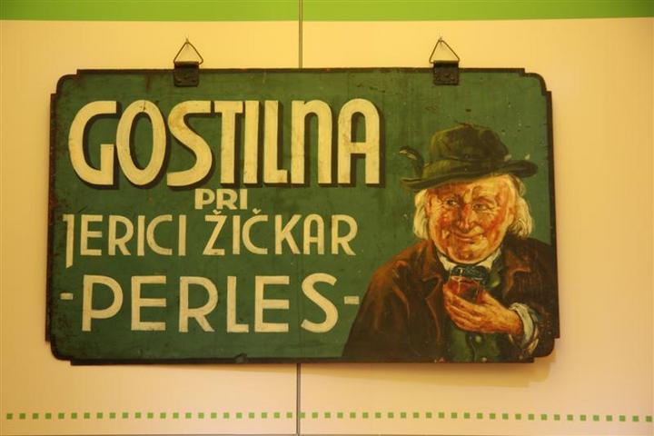 Tablica z napisom Gostilna pri Jerici Žičkar