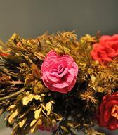 Cvetnonedeljska butara z okrasjem iz papirnatih rož (iz zbirk SEM). Foto: Anja Jerin, 2014.
