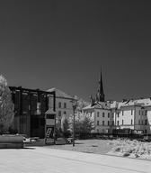 Pogled na razstavno in upravno hiši SEM