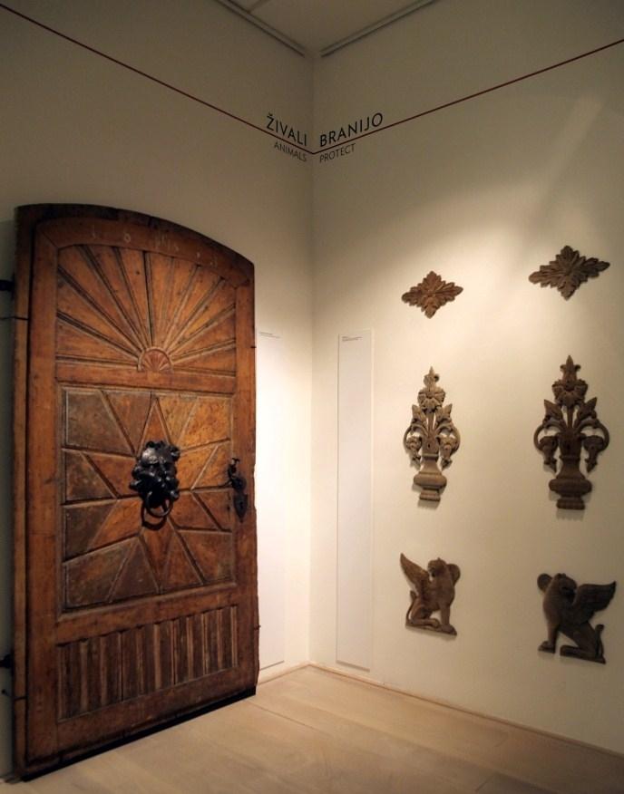 Utrinek z razstave Vrata